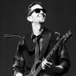 ian-lawler-guitar