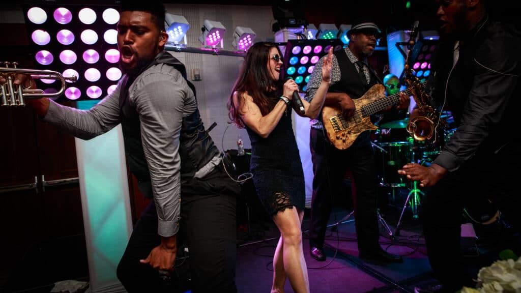 Melange Band Intensity Bands